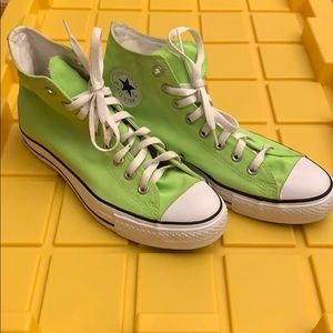 Chuck Taylor Converse Neon Green Men's 8 Women 10